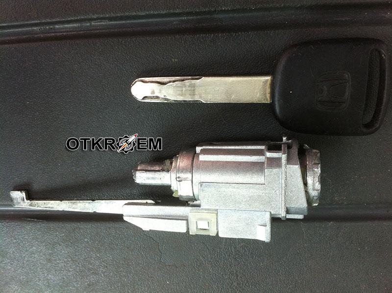 механизм замка зажигания и ключ хонда цивик