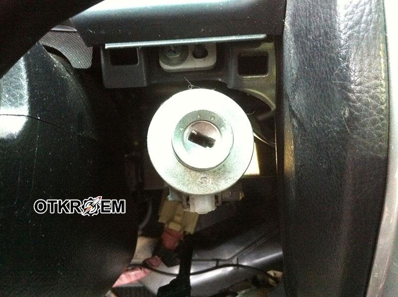 замок зажигания Toyota Land Cruiser Prado 120